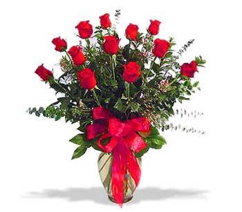 çiçek siparisi 11 adet kirmizi gül cam vazo  Artvin online çiçek gönderme sipariş