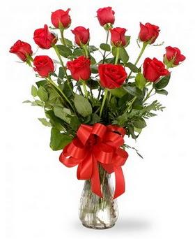 Artvin çiçek , çiçekçi , çiçekçilik  12 adet kırmızı güllerden vazo tanzimi