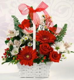 Karışık rengarenk mevsim çiçek sepeti  Artvin internetten çiçek siparişi