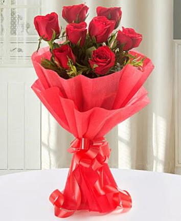 9 adet kırmızı gülden modern buket  Artvin İnternetten çiçek siparişi