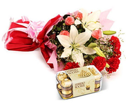 Karışık buket ve kutu çikolata  Artvin çiçek , çiçekçi , çiçekçilik