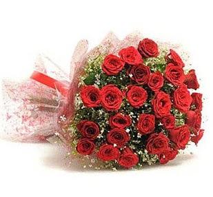 27 Adet kırmızı gül buketi  Artvin ucuz çiçek gönder