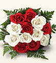 Artvin çiçek , çiçekçi , çiçekçilik  10 adet kirmizi beyaz güller - anneler günü için ideal seçimdir -