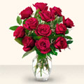Artvin çiçek yolla  10 adet gül cam yada mika vazo da
