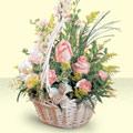 Artvin 14 şubat sevgililer günü çiçek  sepette pembe güller