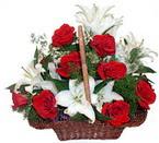 sepette gül ve kazablankalar   Artvin çiçekçi mağazası