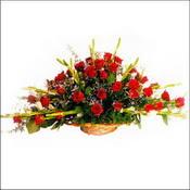 Artvin çiçekçi mağazası  sepette 51 kirmizi gül