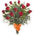bir düzine kirmizi gül buketi   Artvin çiçek gönderme sitemiz güvenlidir