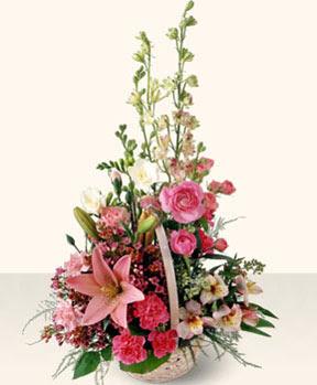 Artvin uluslararası çiçek gönderme  karma mevsim çiçeklerinden aranjman
