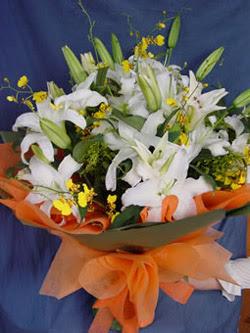 Artvin internetten çiçek satışı  5 ADET KAZABLANKA BUKETI KALITEDEN SASMAYANLARA