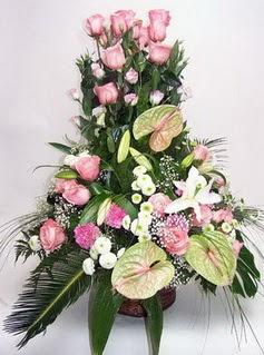 Artvin ucuz çiçek gönder  özel üstü süper aranjman