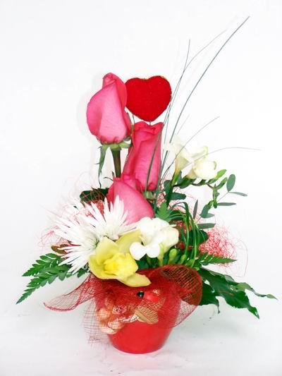 Artvin ucuz çiçek gönder  cam içerisinde 3 adet gül ve kir çiçekleri