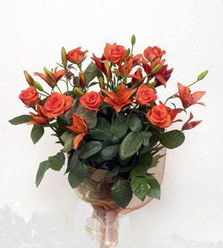 9 adet gül ve 3 adet lilyum çiçegi buketi   Artvin cicek , cicekci