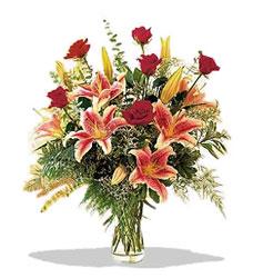 Artvin çiçek servisi , çiçekçi adresleri  Pembe Lilyum ve Gül