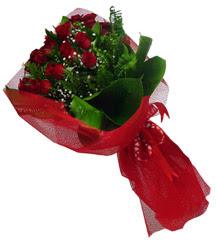 Artvin çiçek gönderme sitemiz güvenlidir  10 adet kirmizi gül demeti