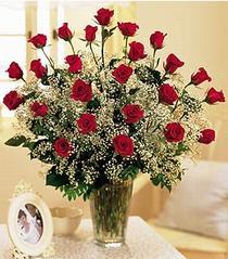 Artvin çiçek , çiçekçi , çiçekçilik  özel günler için 12 adet kirmizi gül