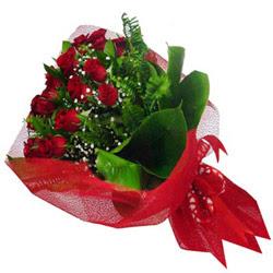 Artvin kaliteli taze ve ucuz çiçekler  12 adet kirmizi essiz gül buketi - SEVENE ÖZEL