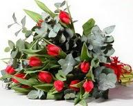 Artvin çiçek satışı  11 adet kirmizi gül buketi özel günler için