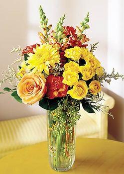 Artvin 14 şubat sevgililer günü çiçek  mika yada cam içerisinde karisik mevsim çiçekleri