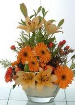Artvin çiçek servisi , çiçekçi adresleri  cam yada mika vazo içinde karisik mevsim çiçekleri