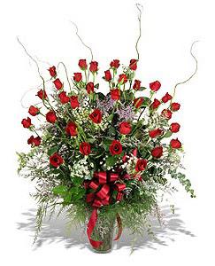 Artvin çiçek siparişi sitesi  33 adet kirmizi gül vazo içerisinde