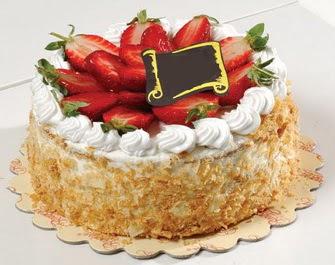 uygun pastaneler 4 ile 6 kisilik çilekli yas pasta lezzetli  Artvin çiçek siparişi vermek