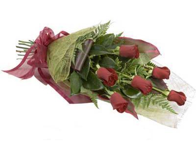 ucuz çiçek siparisi 6 adet kirmizi gül buket  Artvin çiçek siparişi sitesi