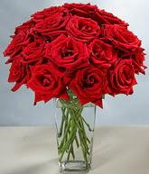 Artvin çiçekçi mağazası  cam vazoda 11 kirmizi gül  Artvin hediye sevgilime hediye çiçek