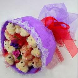 11 adet ayiciktan buket  Artvin internetten çiçek siparişi