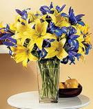 Artvin anneler günü çiçek yolla  Lilyum ve mevsim  çiçegi özel