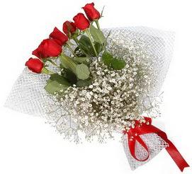 7 adet essiz kalitede kirmizi gül buketi  Artvin hediye sevgilime hediye çiçek