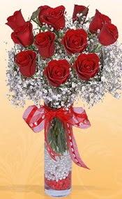 10 adet kirmizi gülden vazo tanzimi  Artvin çiçek siparişi sitesi