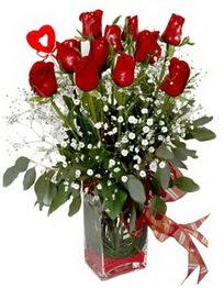 Artvin çiçek siparişi vermek  9 adet mika yada cam vazoda gül tanzimi kalp çubuk