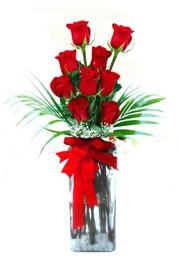 Artvin çiçekçi telefonları  9 adet mika yada cam vazoda gül tanzimi