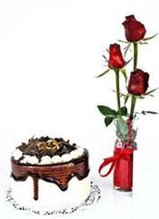 Artvin çiçek siparişi vermek  vazoda 3 adet kirmizi gül ve yaspasta