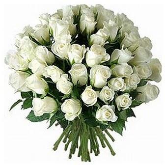 Artvin çiçek servisi , çiçekçi adresleri  33 adet beyaz gül buketi