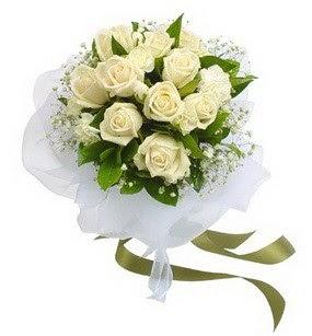 Artvin online çiçekçi , çiçek siparişi  11 adet benbeyaz güllerden buket