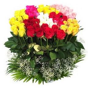 Artvin çiçek mağazası , çiçekçi adresleri  51 adet renkli güllerden aranjman tanzimi