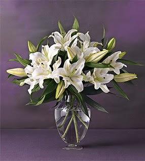 Artvin İnternetten çiçek siparişi  4 dal cazablanca vazo çiçeği