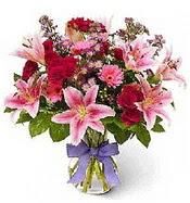Vazo içerisinde karışık mevsim çiçeği  Artvin çiçek siparişi sitesi