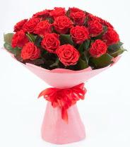 12 adet kırmızı gül buketi  Artvin çiçek siparişi sitesi