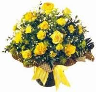 Artvin çiçek , çiçekçi , çiçekçilik  Sari gül karanfil ve kir çiçekleri