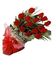 15 kırmızı gül buketi sevgiliye özel  Artvin çiçek gönderme sitemiz güvenlidir