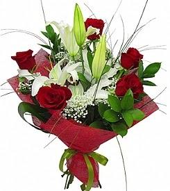 1 dal kazablanka 5 kırmızı gül buketi  Artvin kaliteli taze ve ucuz çiçekler