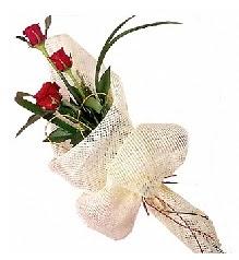 3 adet kırmızı gül buketi  Artvin güvenli kaliteli hızlı çiçek