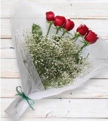 5 kırmızı gülden sade buket  Artvin çiçek yolla