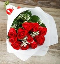 9 kırmızı gülden buket çiçeği  Artvin çiçek gönderme