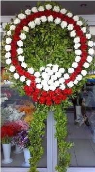 Cenaze çelenk çiçeği modeli  Artvin anneler günü çiçek yolla