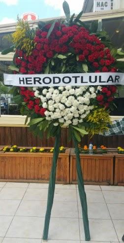 Cenaze çelengi cenazeye çiçek modeli  Artvin çiçek satışı