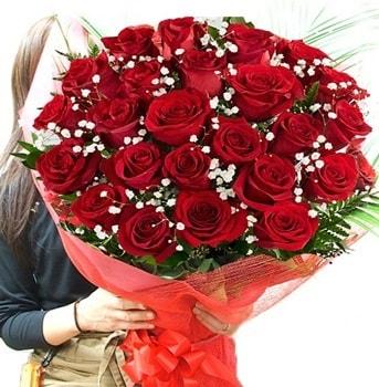 Kız isteme çiçeği buketi 33 adet kırmızı gül  Artvin çiçek gönderme sitemiz güvenlidir